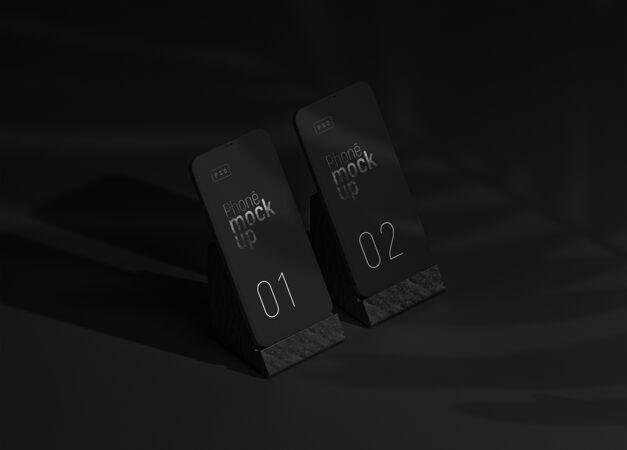 智能手机应用程序屏幕模型透视图与阴影覆盖和手机支架集两个设备