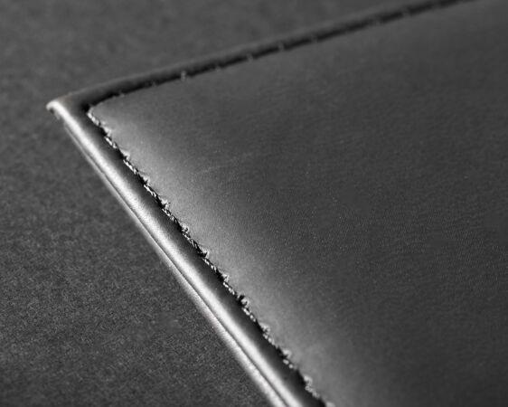 黑色皮革表面与缝线模型