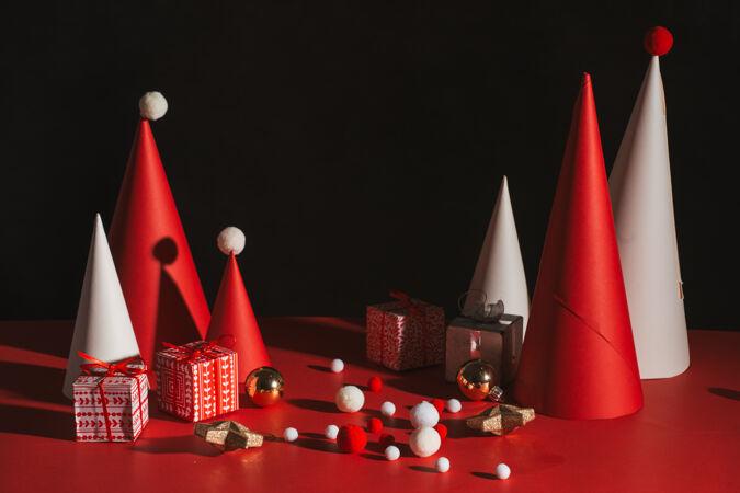 创意圣诞树红色背景纸